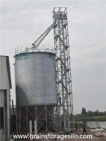 Corn silos run in Jiangsu province